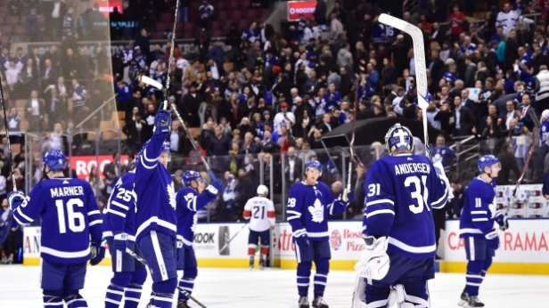 the-toronto-maple-leafs-salute-fans-at-the-air-canada-centre